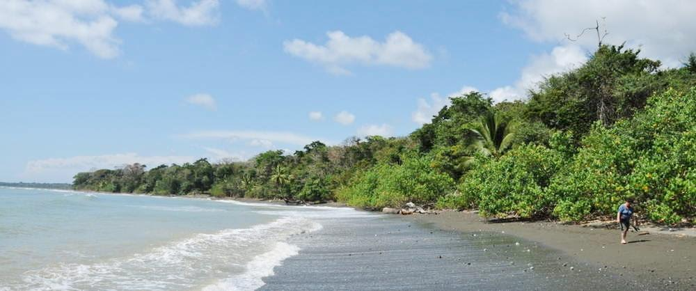Charter a boat for a sport fishing trip in the Drake Bay area of Costa Rica